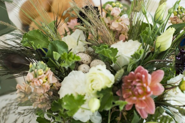 Dahlias, bird nests and eggs, grasses, lisianthus