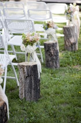 aisle decor on stumps