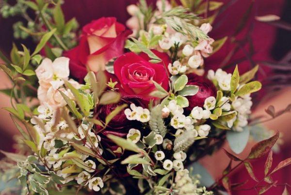 Twigs and Posies Colorado Springs florist wedding flowers bouquet