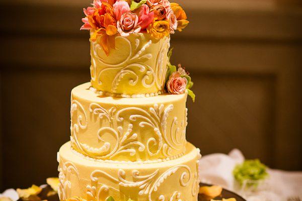 Twigs and Posies Colorado Springs wedding florist floral design wedding cake