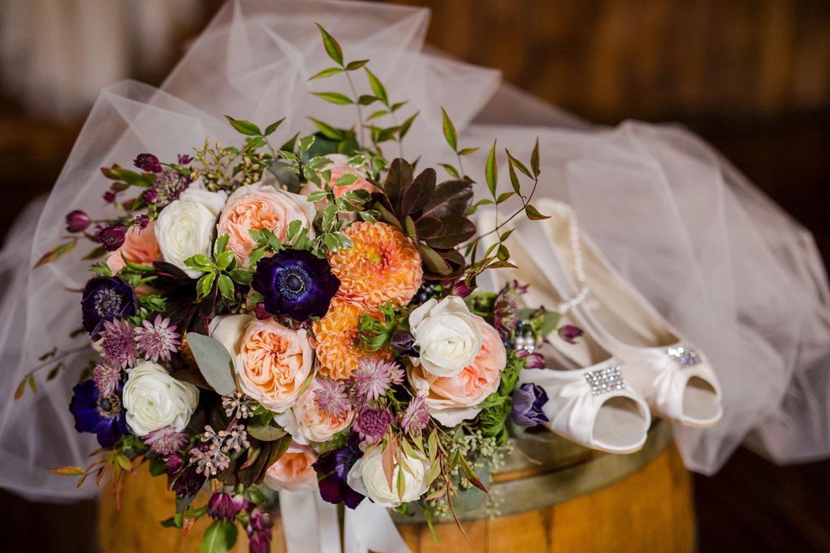 Kelseyandrew Crooked Willow Farms Wedding Twigs Posies