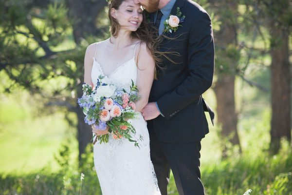 Twigs and Posies Colorado Springs florist wedding flowers bouquet