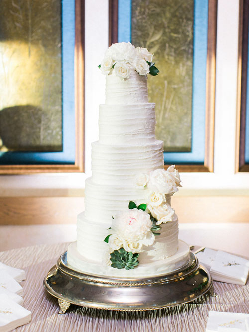 Twigs & Posies Colorado Springs wedding florist Garden of the Gods Club wedding cake